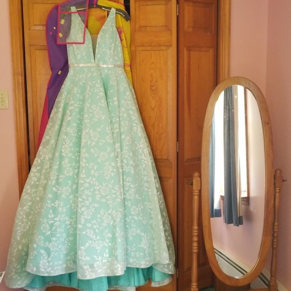 Tiffany Designs Dresses & Skirts - Prom Dress